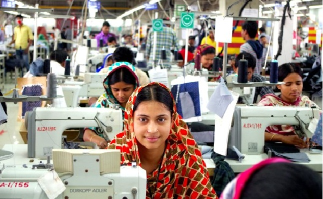 rmg industry of bangladesh By 2005 the (rmg) industry was the only multibillion-dollar manufacturing and export industry in bangladesh, accounting for 75 per cent of the country's earnings in that year bangladesh's export trade is now dominated by the ready-made garments (rmg) industry.